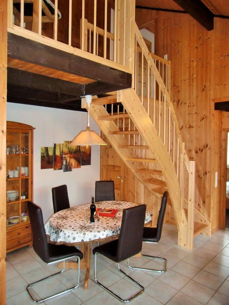 Ferienhaus Mia Essen mit Treppe